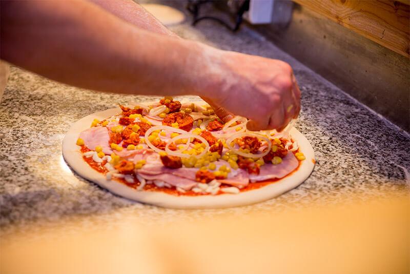 Priprava pizze valverde